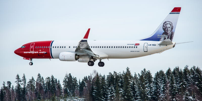 Norwegian Airplane landing