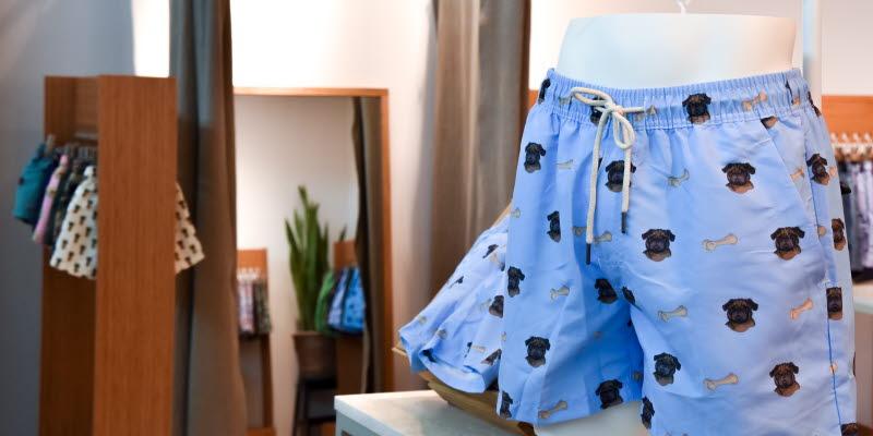 Blue underwear with bulldogs on Oas